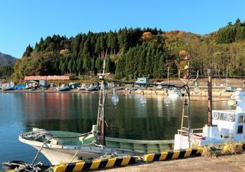 164津軽線浜名漁港キハ48-1520と505.jpg