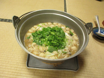 3日目昼食山の芋鍋.jpg