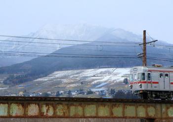 76FI6A7867長野電鉄・夜間瀬やませ鉄橋・高社こうしゃ山・日比谷線嫁入.jpg