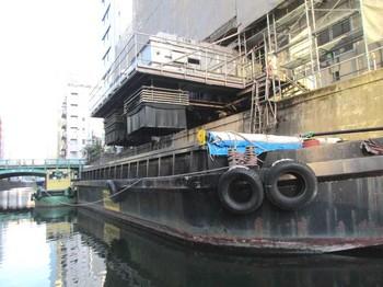 ゴミ運搬船 のコピー.jpg
