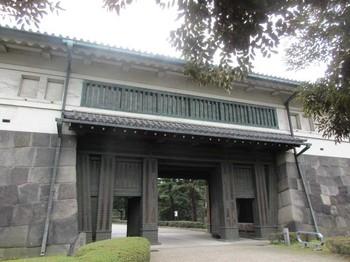 平川門4 のコピー.jpg