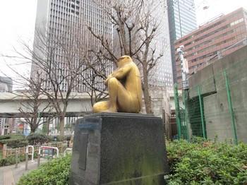神田橋黄金虫像2 のコピー.jpg